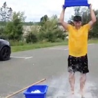 Here's why Americans are dumping buckets of ice on themselves and posting videos of it