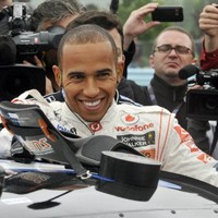 Hamilton 'not going to change his approach' despite recent collisions
