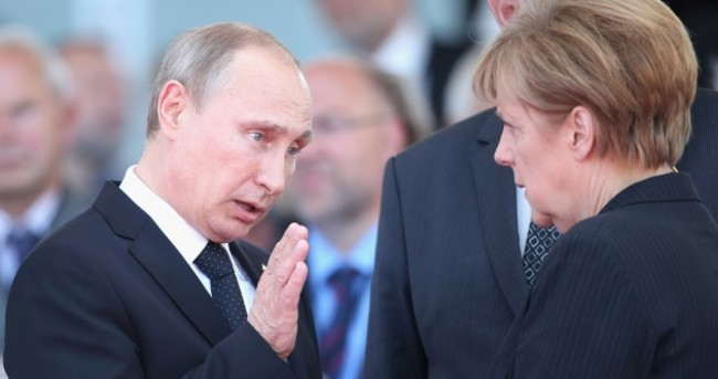 Merkel demands explanation from Putin after reports of new Russian incursions in Ukraine