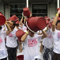 Ice bucket challenge passes $100 million in donations in the US alone