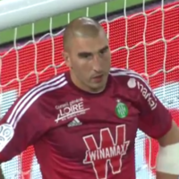 VIDEO: This goalkeeper own goal howler helped PSG win last night as Zlatan scored hat-trick