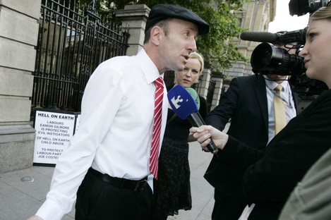 Michael Healy-Rae outside Leinster House yesterday.