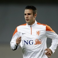 Opinion: Van Persie should retire from international football to protect club career
