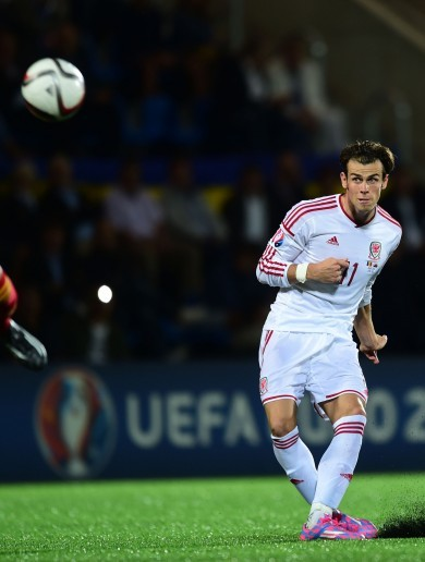 Gareth Bale strike double gets Wales out of trouble