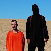 """""""He was a hero"""" - Condemnation after Islamic State beheads British hostage"""