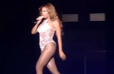 Beyoncé accidentally forgot to lip-sync on stage in Paris