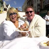17 of the most cringeworthy Irish photo calls that ever happened