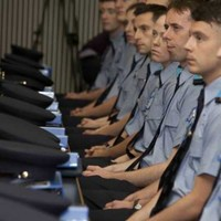 How much does it cost to train up a garda recruit?