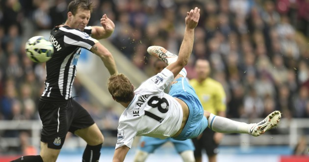 Nikica Jelavic tried to get Alan Pardew sacked with a scissors kick