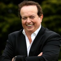 Any lads out there need tux tips? Go no further than style icon Marty Morrissey