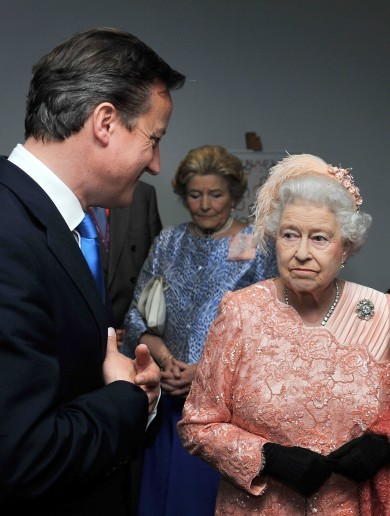 "WATCH: David Cameron lets slip that the Queen ""purred"" after Scottish referendum defeat"