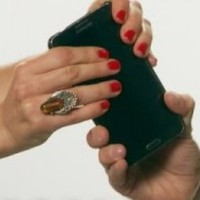 This 'Samsung' response to the bendy iPhone is just perfect
