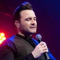Louis Walsh slapped Shane Filan in the face and told him he was s***... The Dredge