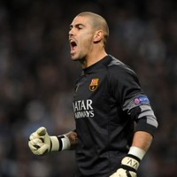 Valdes in talks to join Liverpool and challenge Mignolet