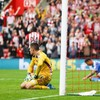 Mannone eager to reimburse Sunderland fans following 8-0 defeat