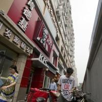 Heartbroken woman spends whole week in KFC after getting dumped