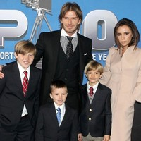 Becks cries as Posh gives birth to baby Harper Seven