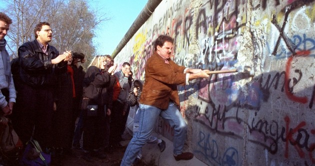 In Photos: 25 years ago today the Berlin Wall fell
