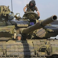 Tanks, troops, and artillery pour into Ukraine from Russia