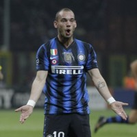Confusion reigns as Sneijder saga drags on