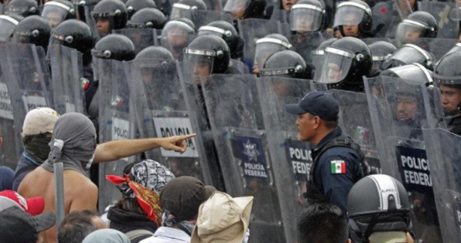 Protesters armed with machetes won't let anyone in or out of Acapulco airport