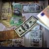 Five banks fined €2.5 BILLION over rigging foreign exchange rates
