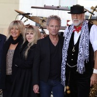 Fleetwood Mac sell out Dublin gig in minutes