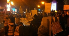 Hundreds of water protesters target Taoiseach in Sligo