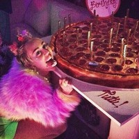 Miley Cyrus celebrated her 22nd birthday with dildos and pepperoni pizza cake... it's The Dredge