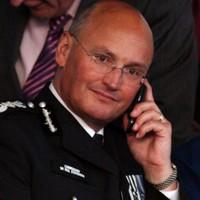 Phone hacking: UK police chief Sir Paul Stephenson resigns