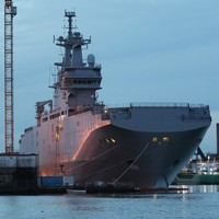 France really isn't keen on handing over a warship to Russia