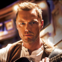UK critics are going crazy for Ronan Keating in the Once musical