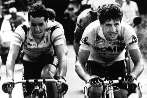 Stephen Roche, left, rides shoulder to shoulder with Pedro Delgado during their 1987 battle.