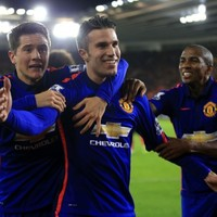 Resurgent Man United stalk hurting Liverpool