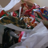 The 8 agonies of wrapping the Christmas presents