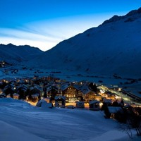 This stunning Swiss ski lodge has suites that cost over €6,000 a night
