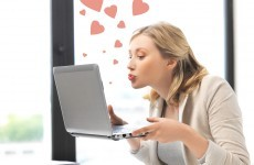 8 struggles everyone who has tried online dating knows all too well