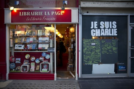A French bookshop selling the magazine.
