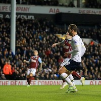 He's trying his best: Pochettino defends Roberto Soldado's unforgivable miss