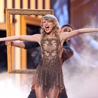 Taylor Swift responds to Lizard Squad's hacking attempt in perfect fashion