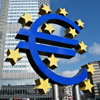 Europe teeters on the brink as Spanish, Italian borrowing costs rise