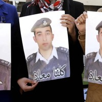 Jordanian pilot held hostage by Islamic State 'burned alive'