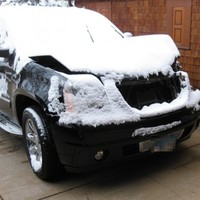 Photos of Lance Armstrong's crashed SUV have been released by police and the damage is not minimal