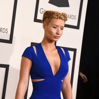 Iggy Azalea declares war on pizza chain that leaked her phone number