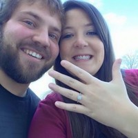 Woman gives stranger her kidney, ends up getting engaged to him