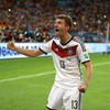 Thomas Müller's impression of Cristiano Ronaldo's flurry of stepovers is dead on