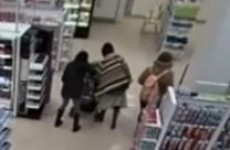 "Woman grabs toddler by throat saying ""that baby would rather be dead"""