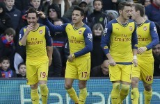 Arsenal take advantage of United's slip-up to move third