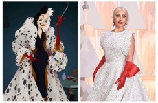 Lady Gaga's washing-up gloves became the meme of Oscars 2015