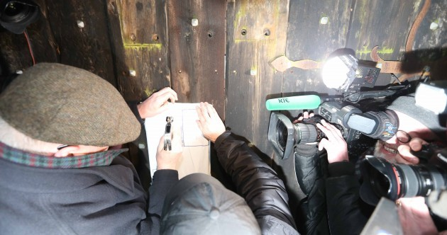 Receivers nail court papers to gates of O'Donnell family home in Killiney